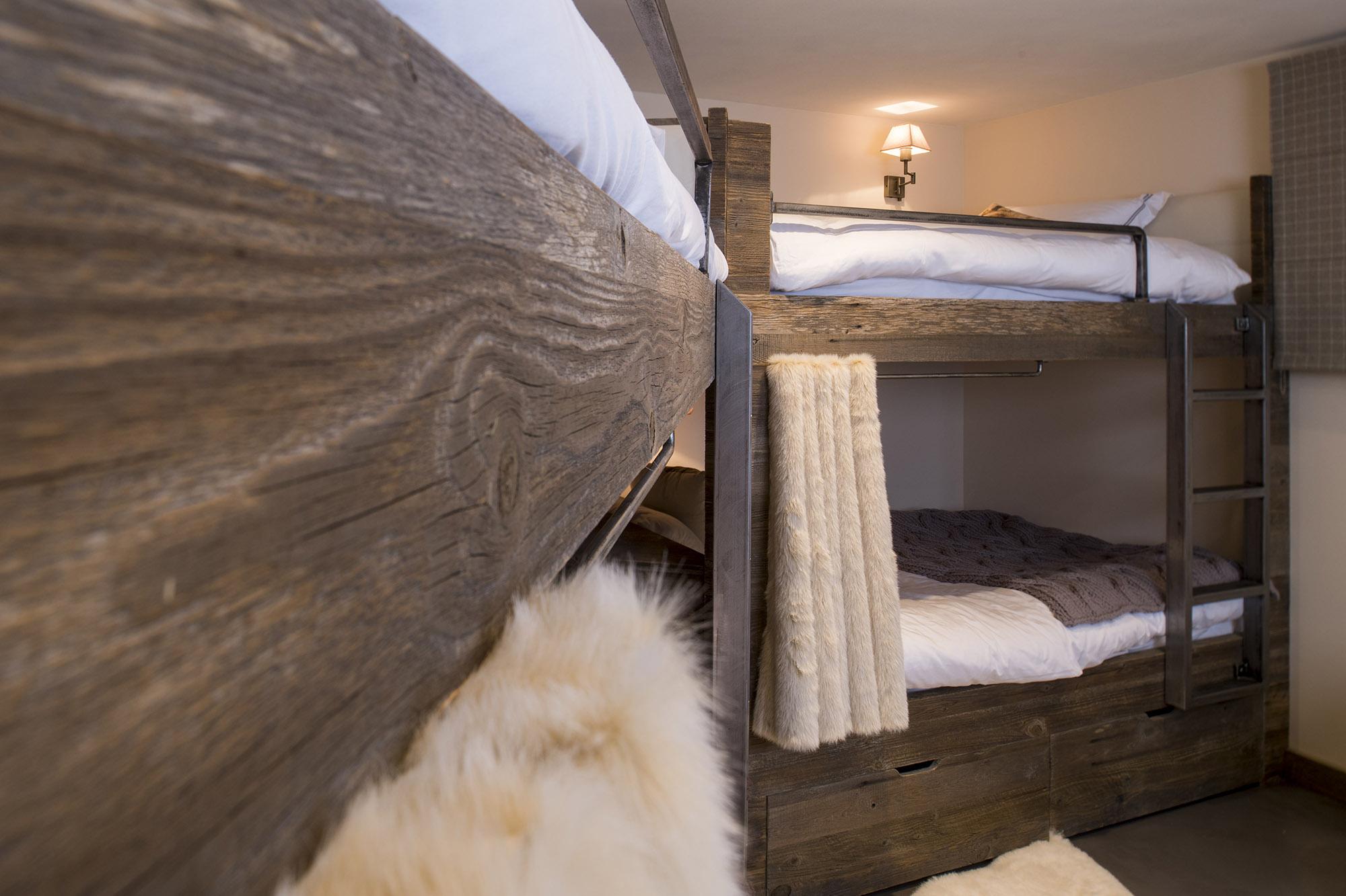Réalisation - Tête de lit, rideaux et stores